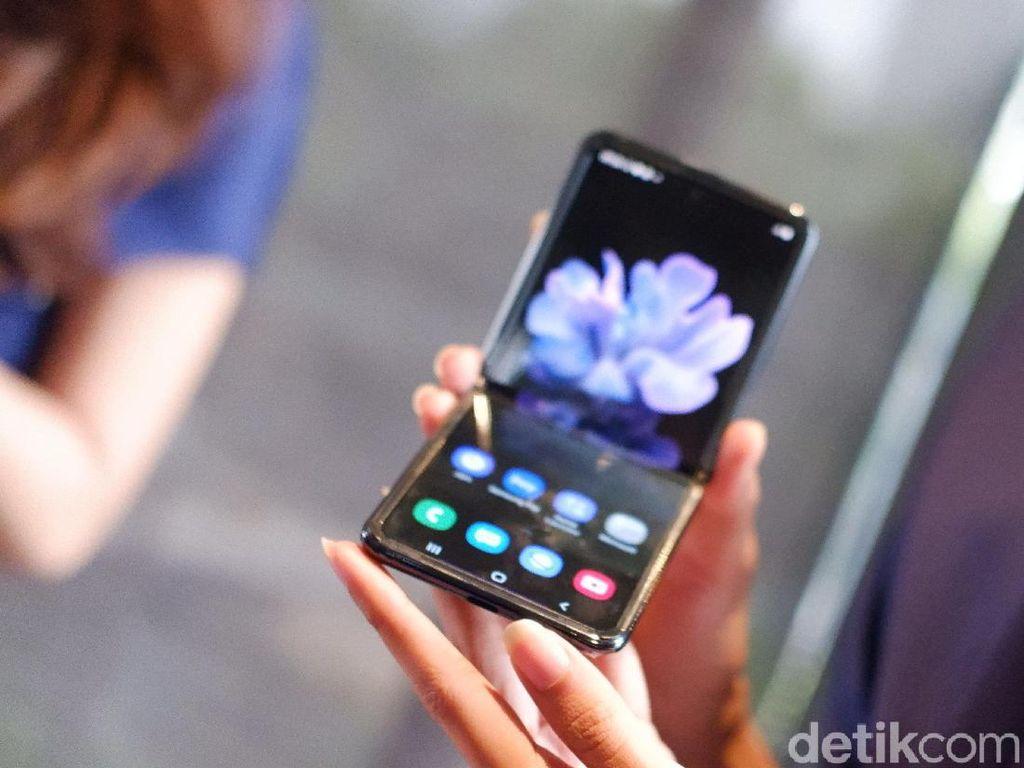 Jajal Kecanggihan Galaxy Z Flip