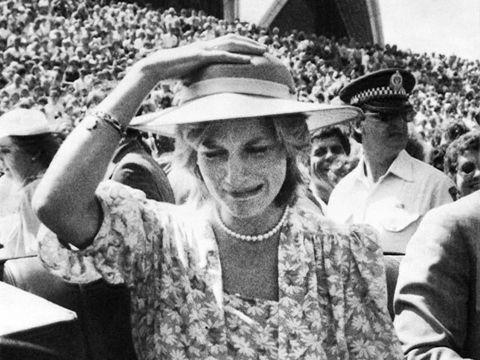 Putri Diana menangis di Opera House Sydney