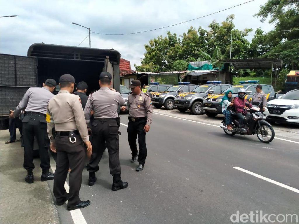 Polisi Ajak Ratusan Bonek Nobar Persebaya Vs Persija di Jombang
