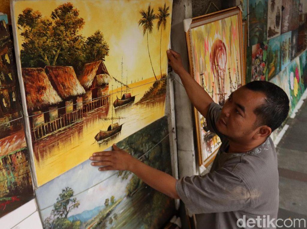 Jalan Braga Bandung: Tempat Bergaya Pelancong, Lapak Lukisan Turun-Temurun