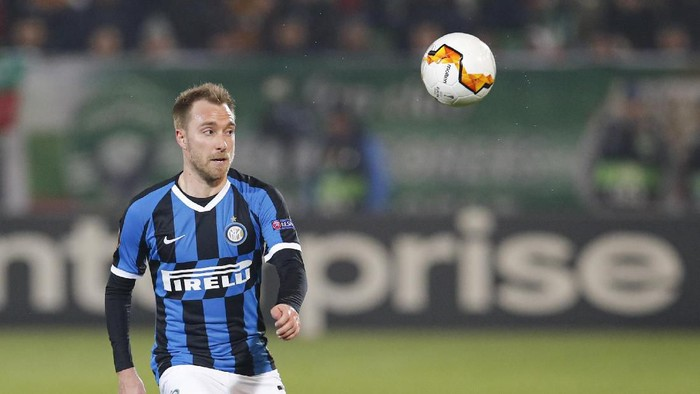 Inter Milans Christian Eriksen controls the ball during an Europa League, round of 32, first leg, soccer match between PFC Ludogorets Razgrad and Inter Milan at Huvepharma Arena in Razgrad, Bulgaria, Thursday, Feb. 20, 2020. (AP Photo/Vadim Ghirda)