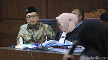 Hakim Cecar Imam Nahrawi soal Biaya Arsitektur Rumah