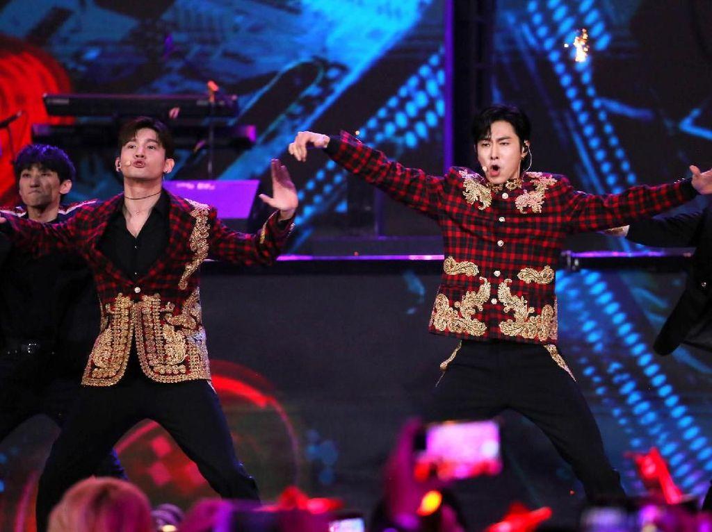 Berbincang dengan TVXQ di Konser Korean Wave in Love