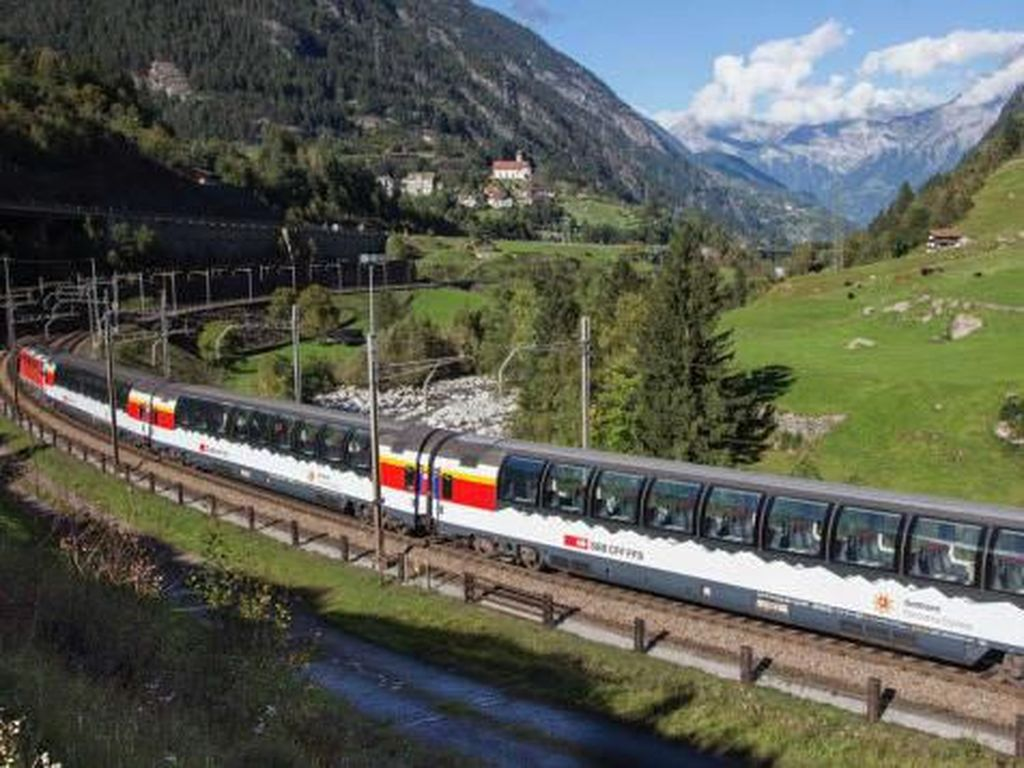 Terowongan Terpanjang Se-Dunia Gerogoti Pegunungan Alpen