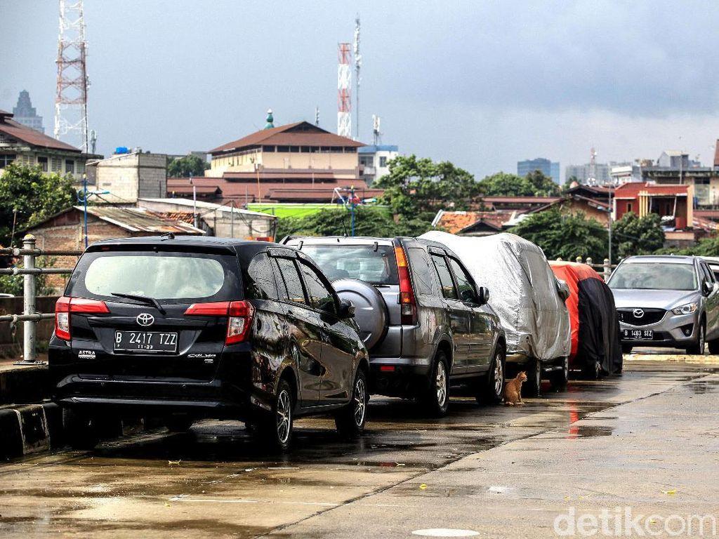 Tips Lengkap Jaga Mobil Tetap Sehat di Musim Hujan