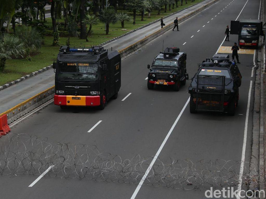 Nyatakan Jakarta Kondusif Pascademo, Polisi: Kita Patroli Malam Ini