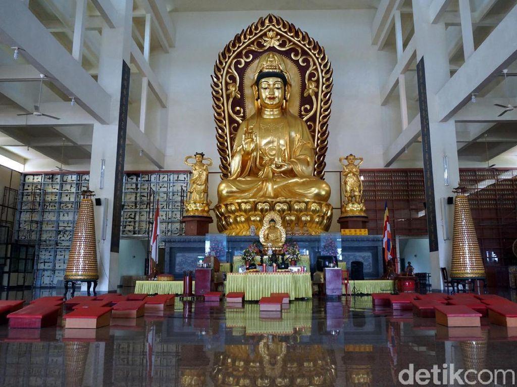 Foto: Vihara Megah & Terbesar Se-Asia Tenggara Ada di Bintan