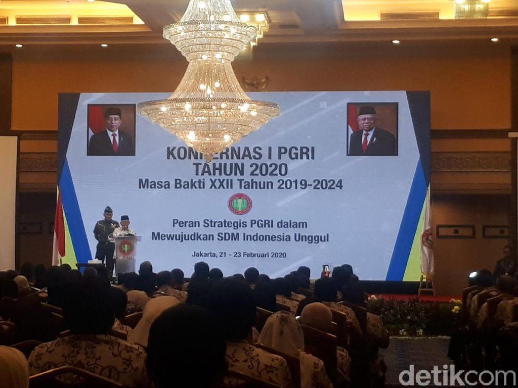Buka Konferensi Kerja PGRI, Maruf Minta Guru Tingkatkan Kompetensi