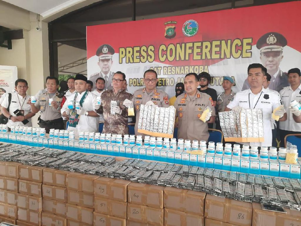 Polisi Bongkar Gudang 2 Juta Butir Pil Hexymer di Jakarta Utara