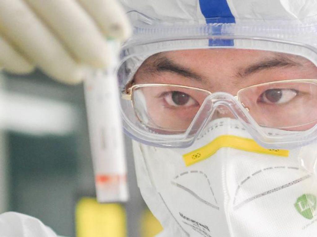 Ahli Medis China Sebut COVID-19 Bisa Sebabkan Kerusakan Permanen Pada Tubuh