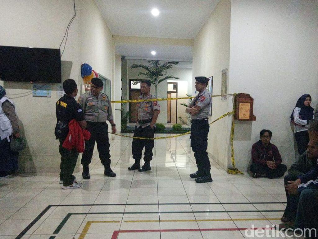 Puskesmas Lokasi Evakuasi Korban SMPN 1 Turi Dipasangi Garis Polisi