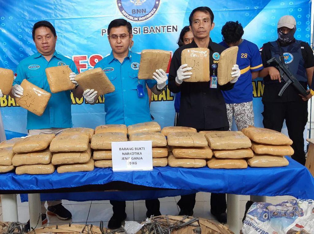 BNNP Banten Gagalkan Penyelundupan 50 Kg Ganja dari Aceh