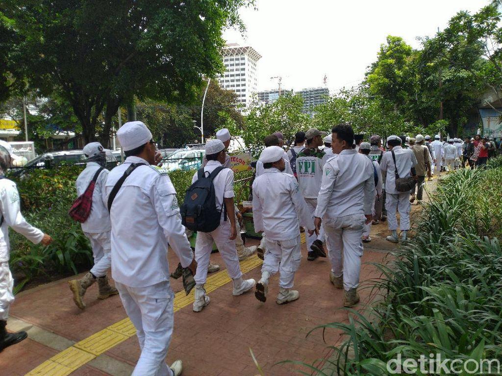 Usai Jumatan, Massa Aksi 212 Bergerak dari Istiqlal ke Pintu Barat Monas