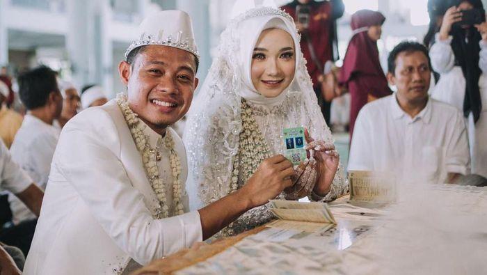 Evan Dimas menikahi kekasihnya, Dewi Zahra, di Surabaya, Sabtu (22/2/2020)