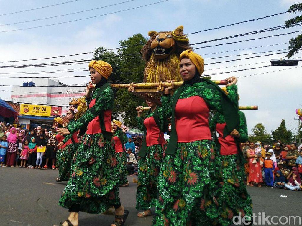 Kemeriahan HUT Kota Banjar dengan Karnaval Budaya