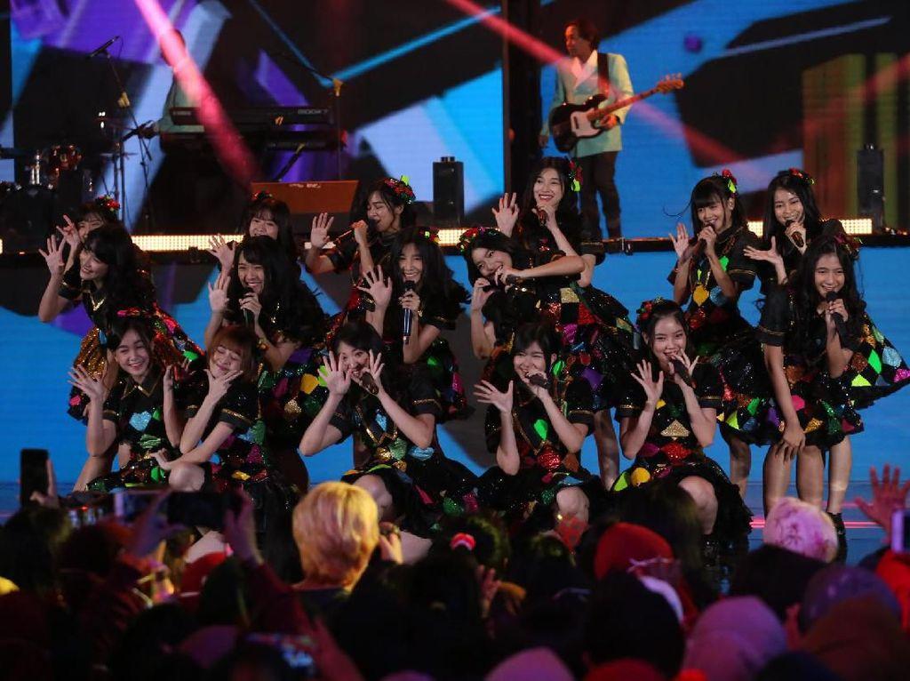 Member JKT48 Jalani Tes Corona Usai Flora Shafiq Positif COVID-19