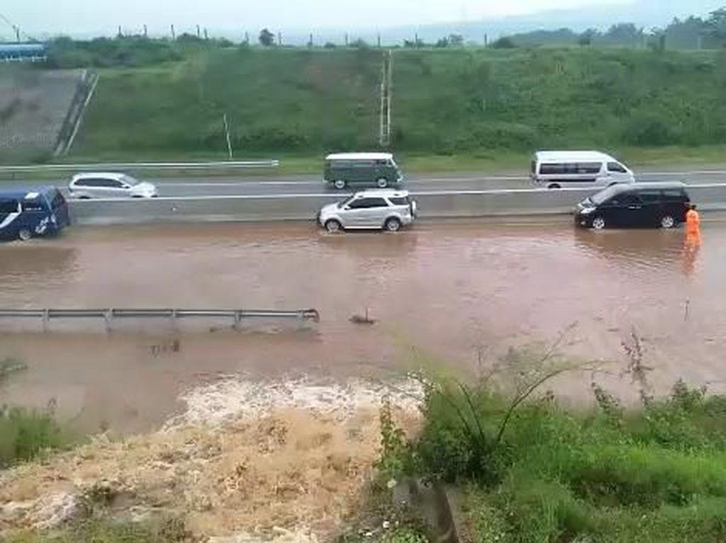 Pengusaha Ngeluh Pengguna Tol Susut Imbas Banjir