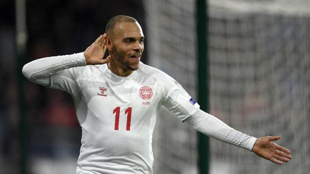 CARDIFF, WALES - NOVEMBER 16: Martin Braithwaite of Denmark celebrates after scoring his team's second goal during the UEFA Nations League Group B match between Wales and Denmark at Cardiff City Stadium on November 16, 2018 in Cardiff, United Kingdom.  (Photo by Harry Trump/Getty Images)