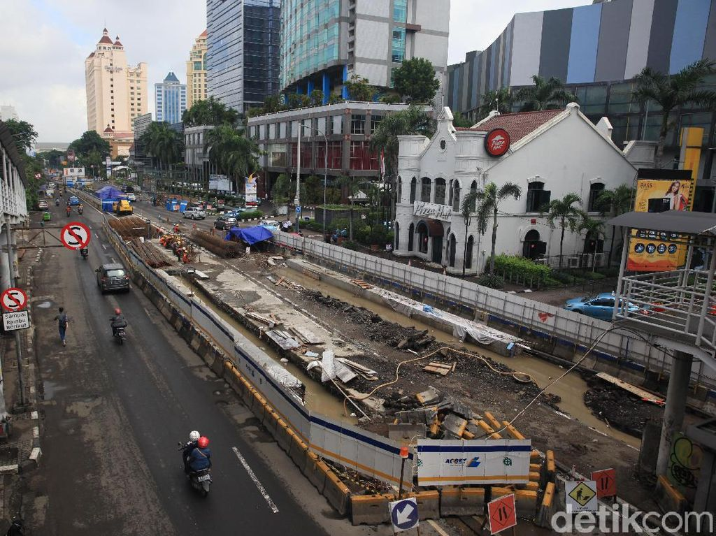 Underpass Senen Jakpus Ditutup Selama 30 Hari, Lalin Dialihkan