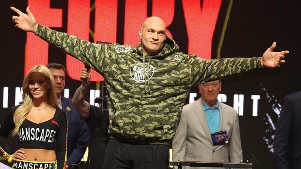 LAS VEGAS, NEVADA - FEBRUARY 21: Tyson Fury enters the stage against Deontay Wilder during their official weigh-in at MGM Grand Garden Arena on February 21, 2020 in Las Vegas, Nevada.   Al Bello/Getty Images/AFP
