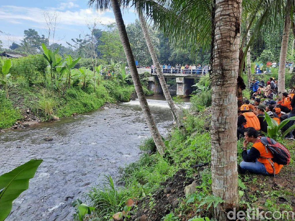 2 Siswa SMPN 1 Turi yang Hanyut Ditemukan dalam Kondisi Tewas