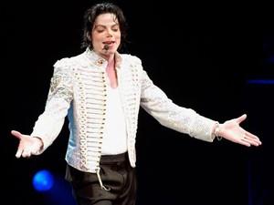 Putra Michael Jackson Kutip Lagu Sang Ayah untuk George Floyd