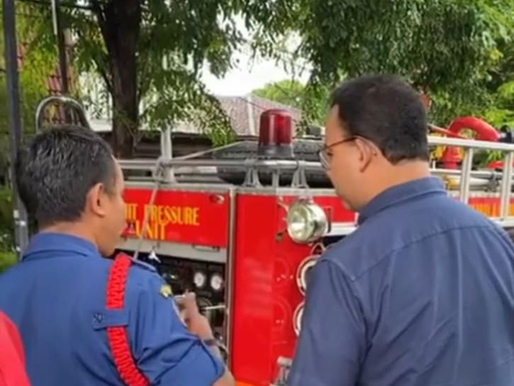 Jakarta Kebanjiran Lagi, Anies Turun Cek Lokasi