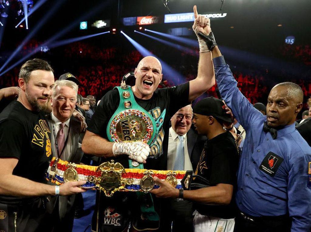 Tyson Fury: Deontay Wilder Akan Lebih Berbahaya Saat Rematch Nanti