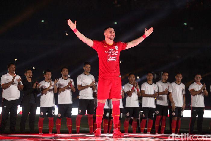 Persija Jakarta menggelar launching team di Stadion GBK, Jakarta, Minggu (23/2/2020). Seluruh punggawa team diperkenalkan.