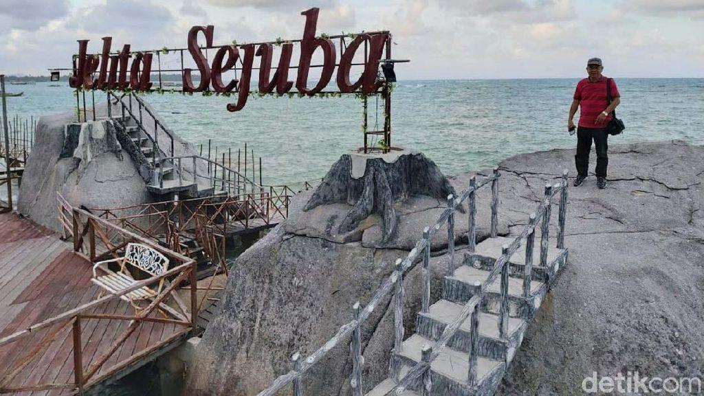 Menikmati Akhir Pekan di Pantai Natuna