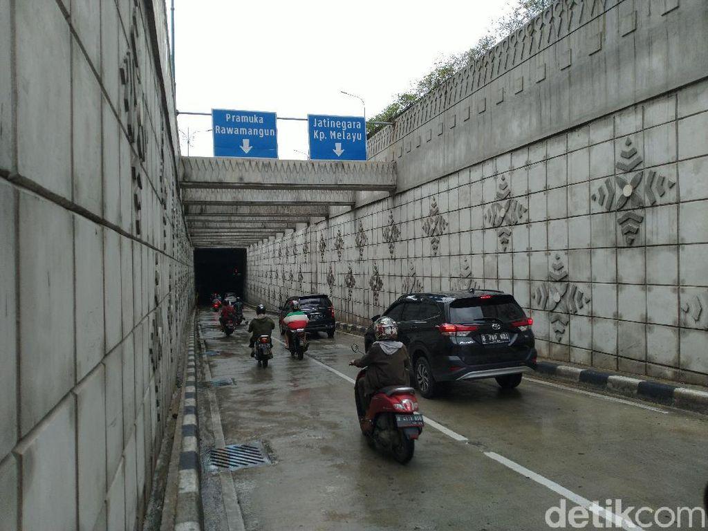 Banjir Surut, Underpass Matraman Bisa Dilalui Kendaraan Lagi