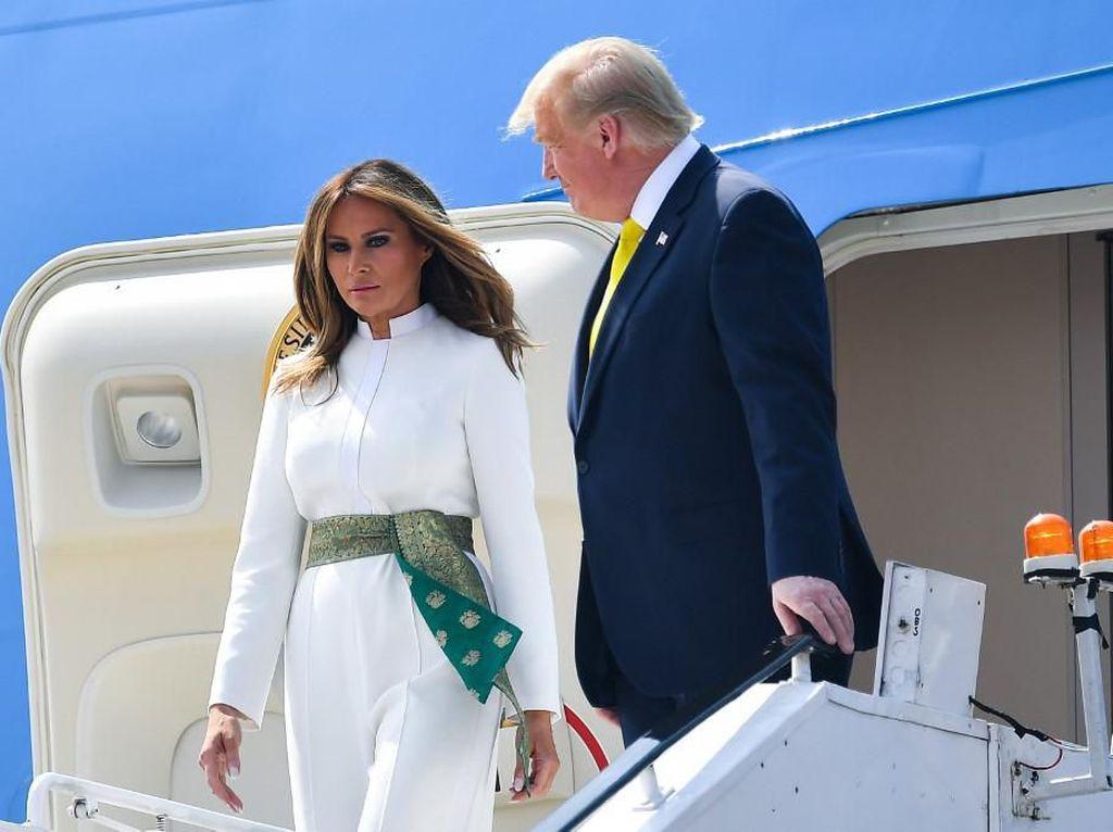 Ucapan Standar Trump untuk Melania yang Ulang Tahun ke-50