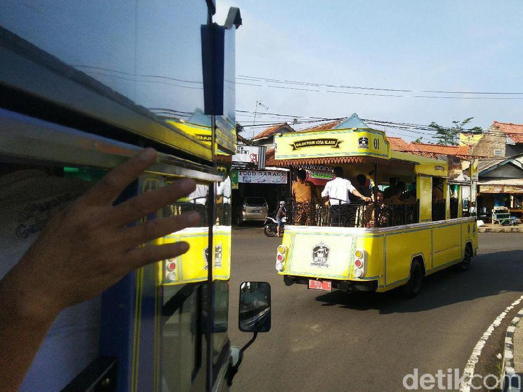 Potret Bus Wisata Gatrik di Ciamis