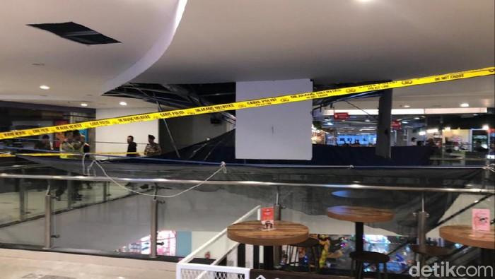 Lokasi Plafon Malioboro Mall Yogya yang Ambrol Dipasangi Garis Polisi