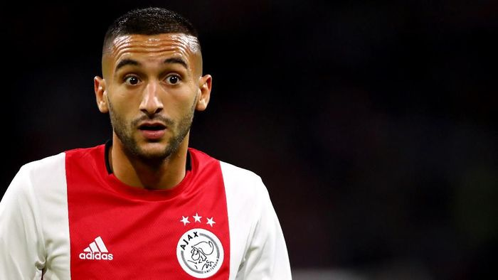 AMSTERDAM, NETHERLANDS - AUGUST 13:  Hakim Ziyech of Ajax looks on during the UEFA Champions League 3rd Qualifying match between Ajax and PAOK Thessaloniki at Johan Cruyff Arena on August 13, 2019 in Amsterdam, Netherlands. (Photo by Dean Mouhtaropoulos/Getty Images)