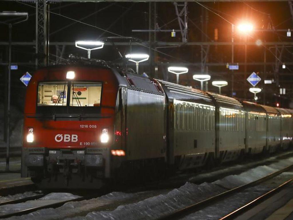 2 Penumpang Diduga Terinfeksi Virus, Austria Hentikan Kereta Italia