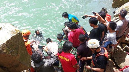 Mahasiswi Terpeleset di Air Terjun Pumbunga Tompobulu Maros Saat Hendak Selfie