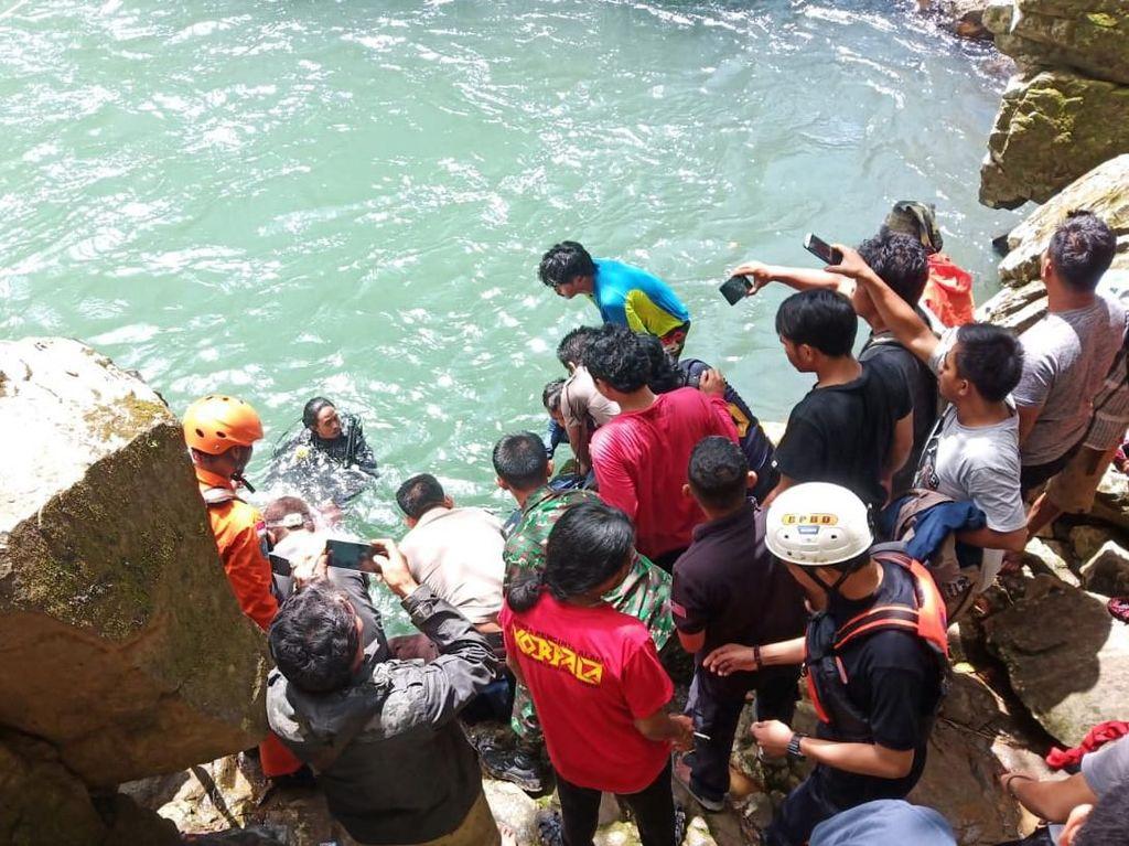 Mahasiswi yang Terpeleset di Sungai Air Terjun Maros Ditemukan Tewas