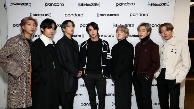 NEW YORK, NEW YORK - FEBRUARY 21: K-pop boy band BTS visit the SiriusXM Studios on February 21, 2020 in New York City.   Cindy Ord/Getty Images for SiriusXM/AFP