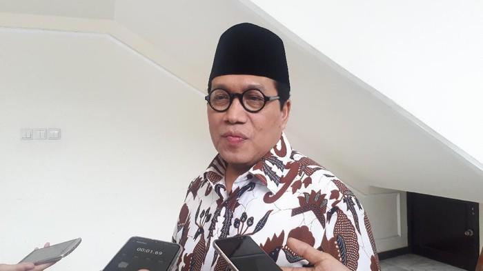 Dewan Masjid Indonesia (DMI) mengeluarkan surat edaran menyoal pelaksanaan Salat Jumat.