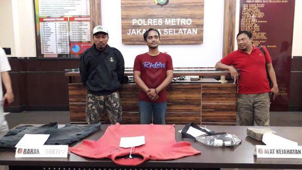 Hasil gambar untuk Polisi Tangkap Pria yang Mem-bully Pria Berkebutuhan Khusus di Jaksel