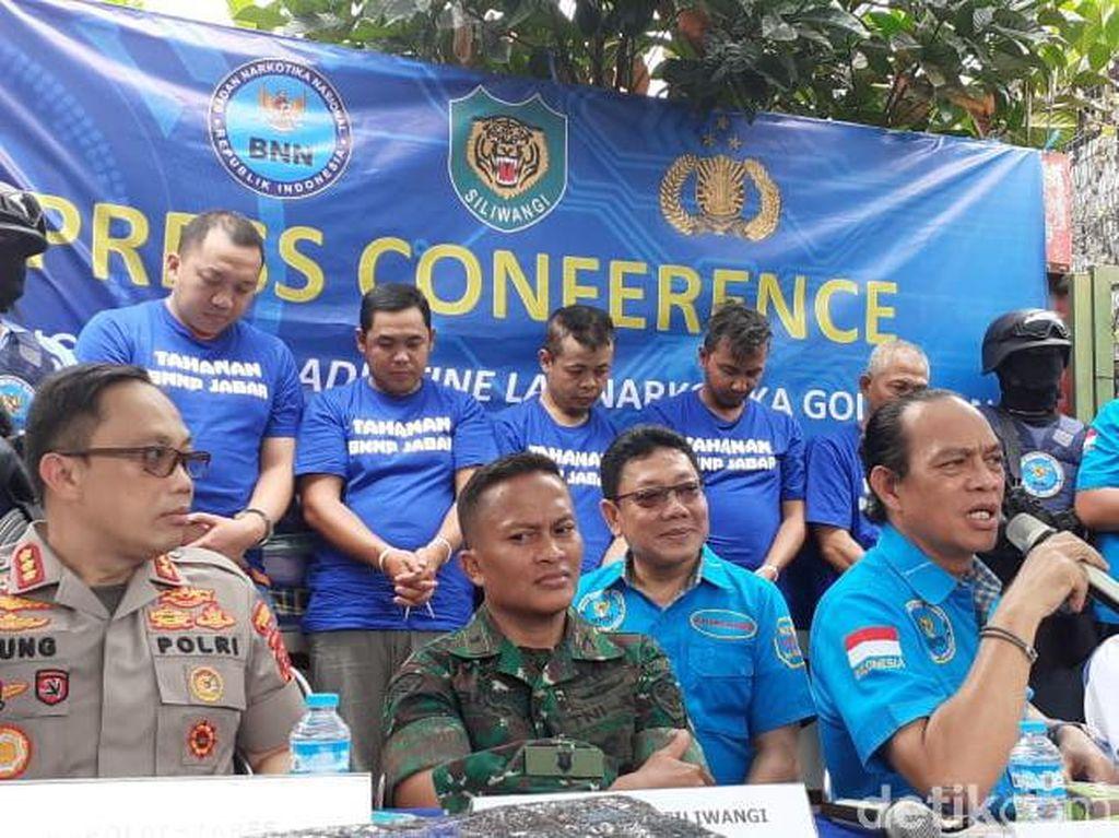 BNN Tetapkan 5 Tersangka Terkait Pabrik Narkotika di Bandung
