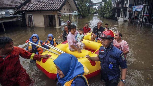 Hujan Kecaman ke Anies, RK, Wahidin yang Mangkir Rapat Banjir