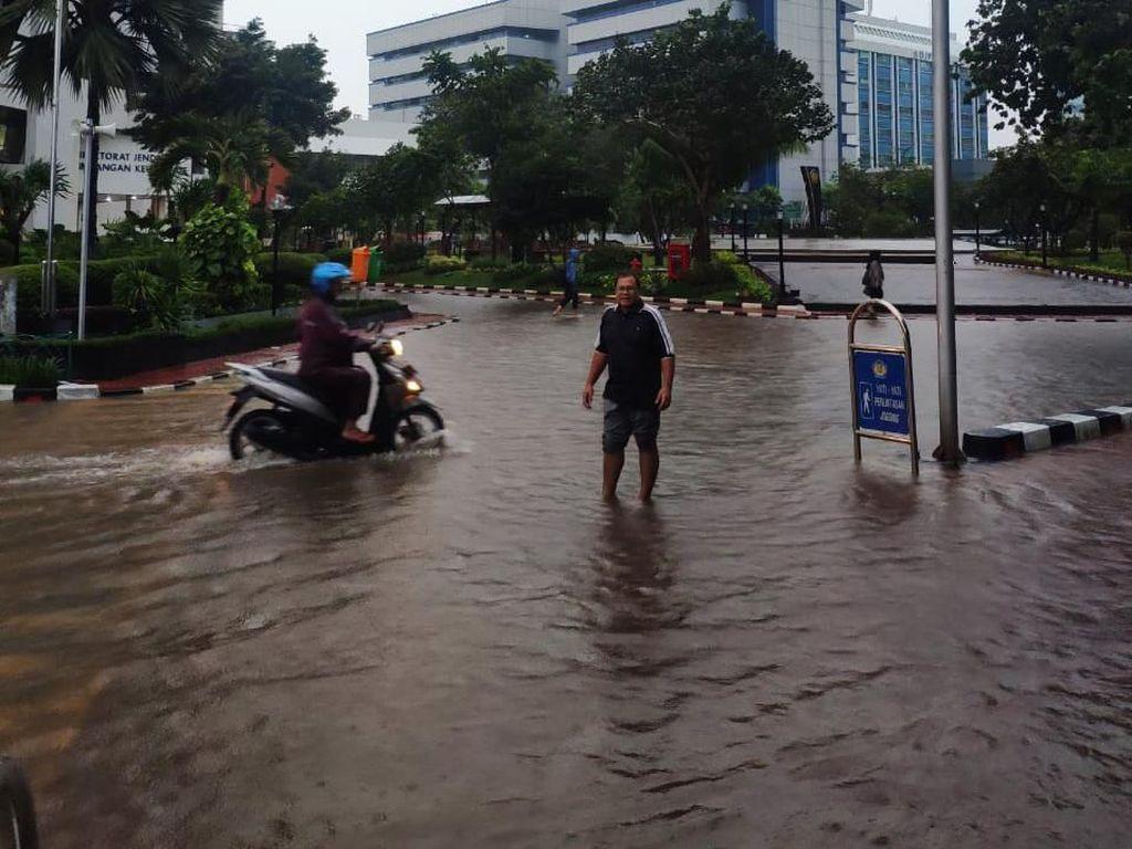 Duh, Kantor Sri Mulyani Kebanjiran!