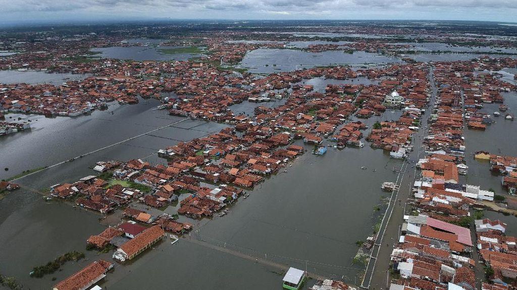 Banjir di Pekalongan Perlahan Surut