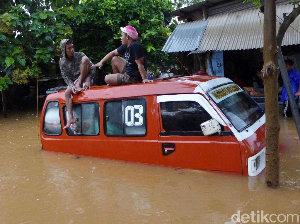 Atasi Banjir Jakarta, PUPR Bangun Rumah Pompa-Siapkan Pompa Mobile
