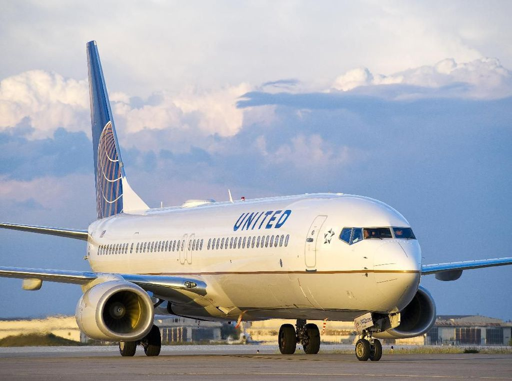Industri Penerbangan Dihantam Corona, United Airlines Rugi Rp 23 T