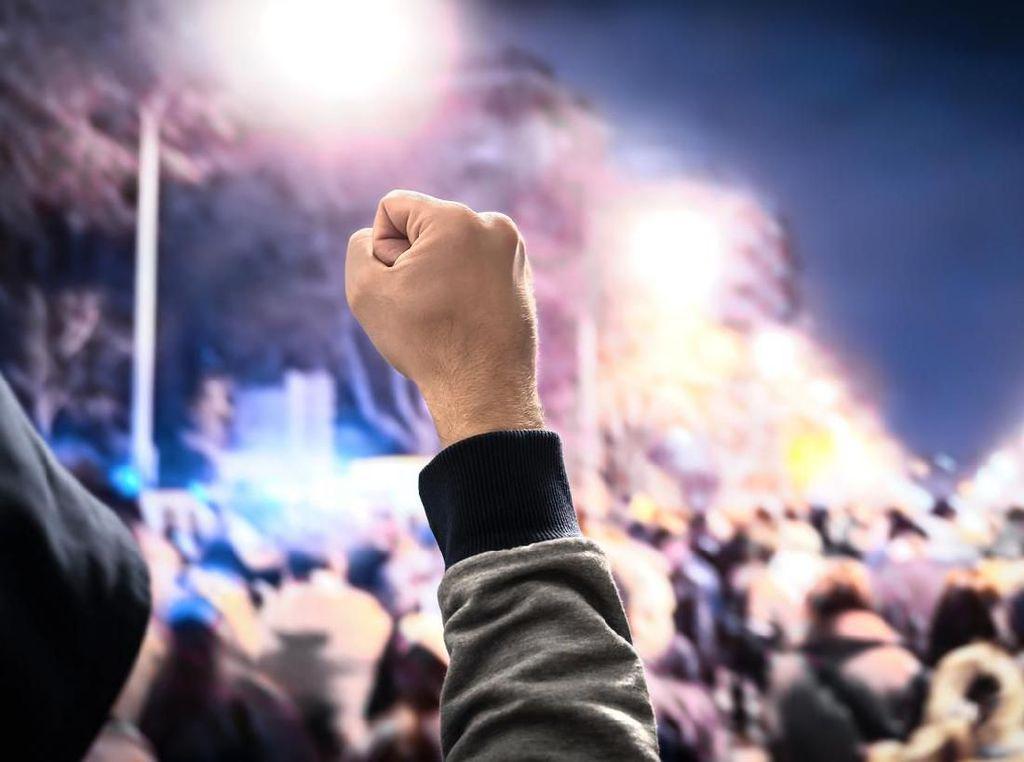 Pendukung Merusuh Dipicu Bupati Waropen Jadi Tersangka Gratifikasi Rp 19 M