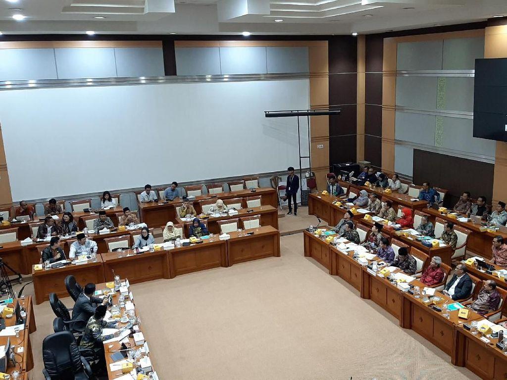 Menag-Komisi VIII Debat soal Waktu Rapat, Jokowi Dibawa-bawa