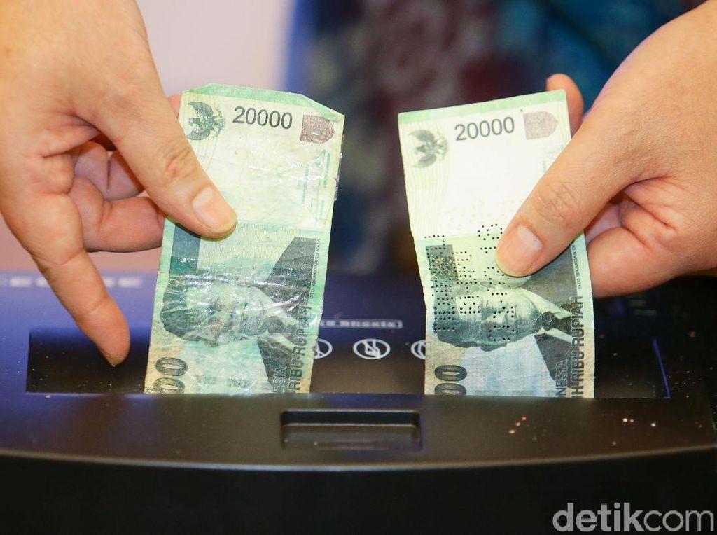 Polisi Tangkap 3 Pengedar Uang Palsu di Pekanbaru